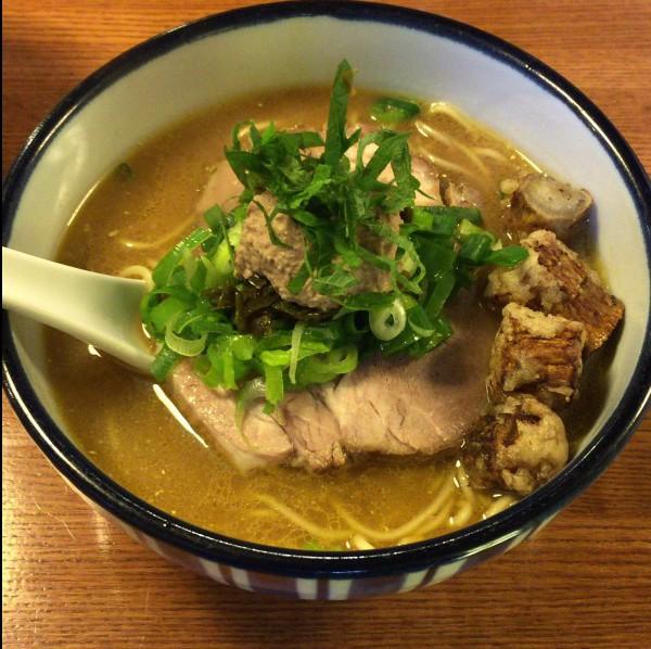 雨は、やさしく 白レバーのペーストを溶いて食べるラーメン【札幌グルメ】