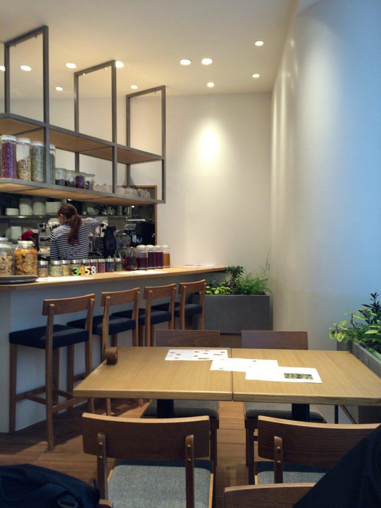 1LDK terrace(1LDK テラス)。札幌駅で一息つくならバリスタがいれるカフェラテが秀逸なカフェ。