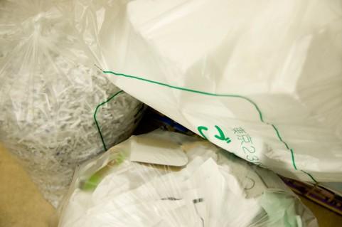 なぜ捨てられない?掃除の時に物を捨てる決意がにぶる理由。