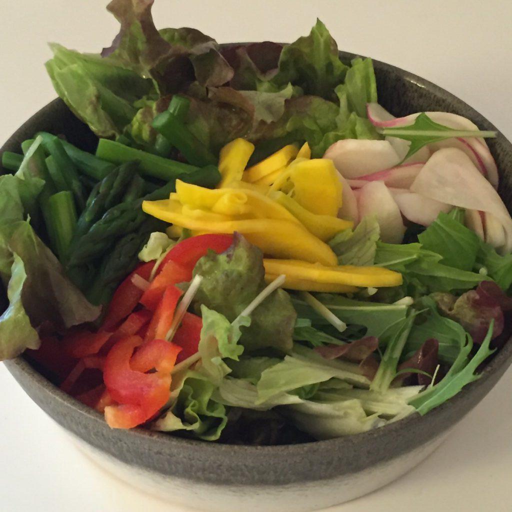 コリンキーを料理してみました。加熱するより、サラダにするのが一番コリンキーらしさを味わえる。