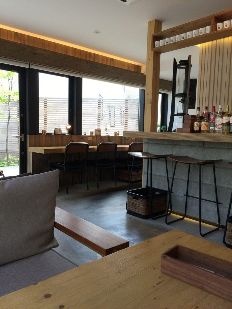 「アトリエD」 雰囲気もいいけど、コーヒーも美味しい。天気のいい日に訪れたい、リビングのようなお洒落なカフェ【札幌 東区】