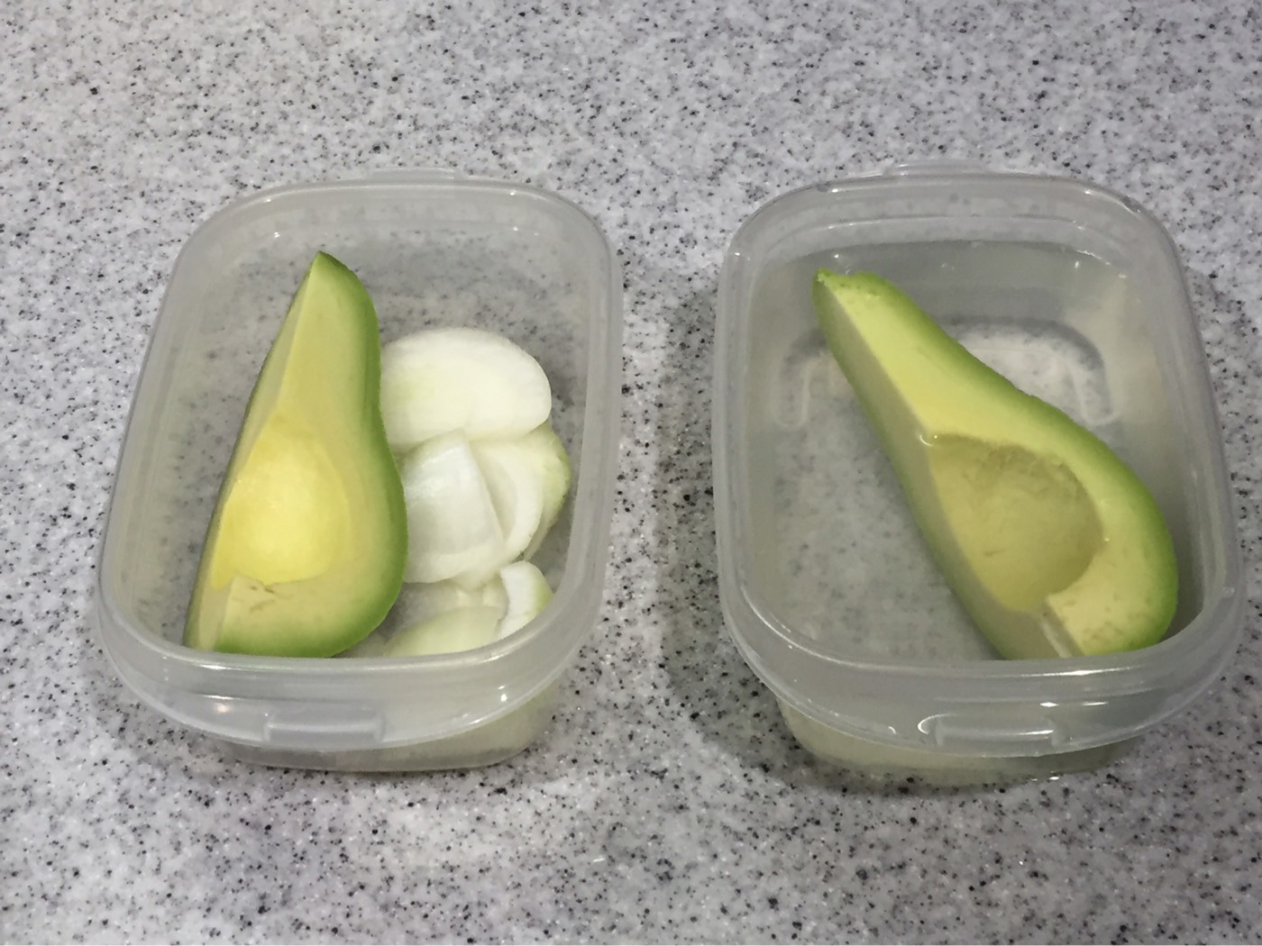 酸っぱいのは苦手です。残ったアボガドの冷蔵保存方法を比べてみた。玉ねぎ・ハチミツ水・ラップ。