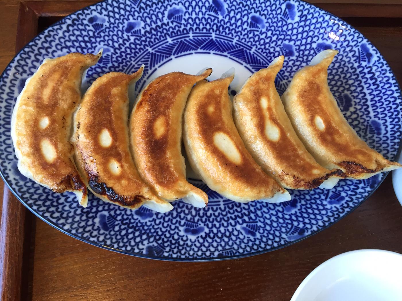 餃子の花家へ行ってきたよ。八紘学園のキャベツを使ったこだわりの味。 【札幌 豊平区】