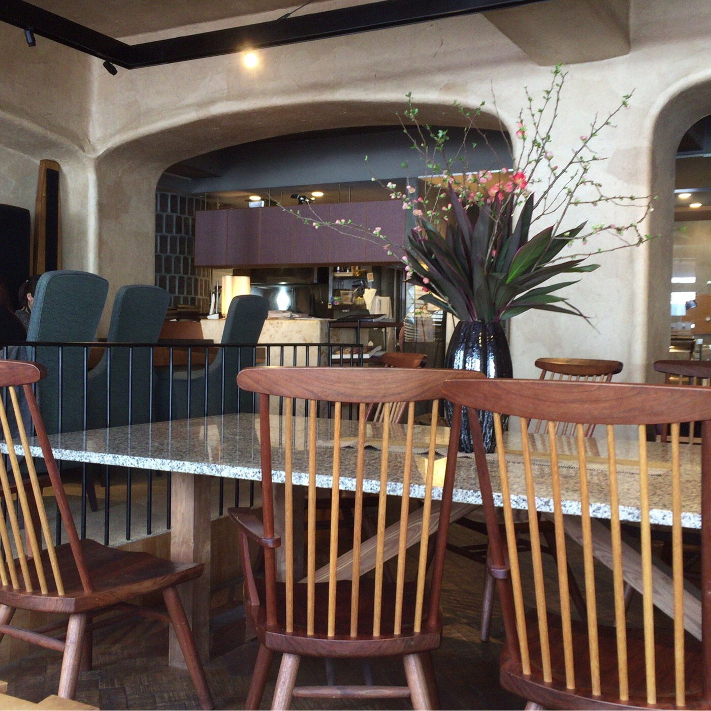 椿サロン コーヒーを片手にお休みの午後を過ごしたいカフェ。キッズルームも充実してます。【札幌 中央区】